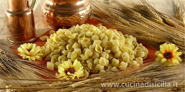 conchiglie con fave e ricotta - Cucina di Sicilia